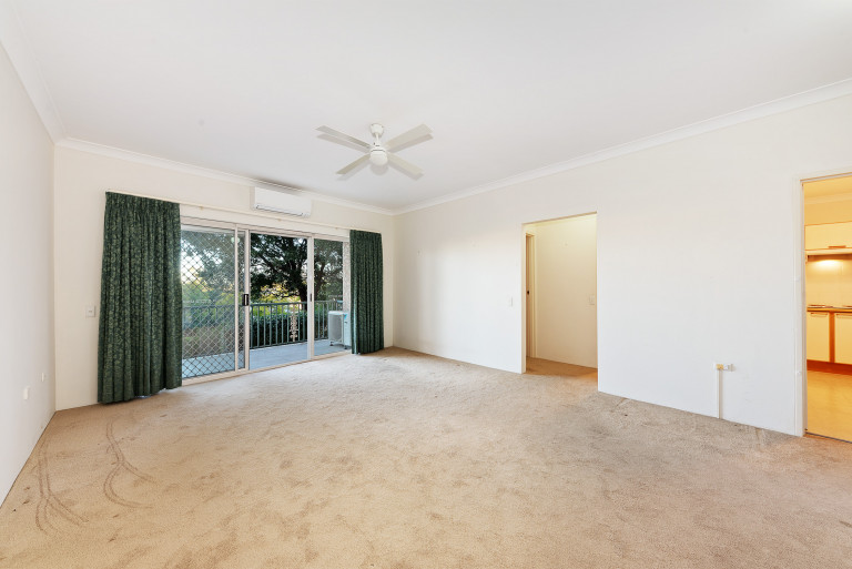 RARE 1 BEDROOM WITH GARAGE