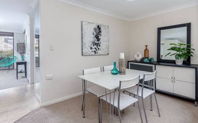 One Bedroom Independent Apartment with Extra Study/Dining Space