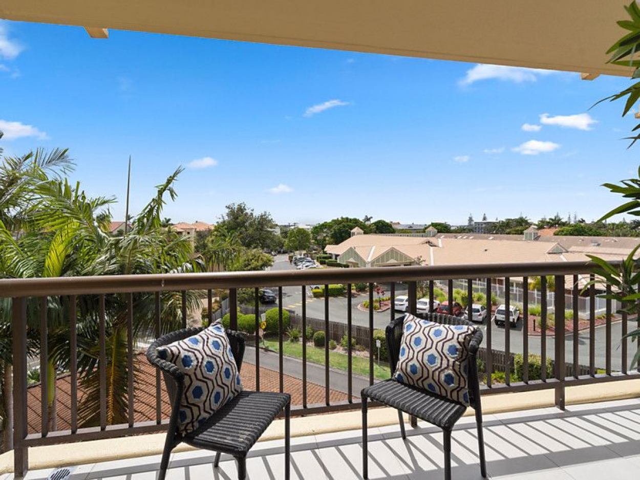 Enjoy the benefits of a Retirement Community lifestyle at a budget price !