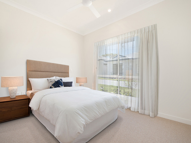 Stunning 2 bedroom 2 bathroom villa with 12 months FREE ELECTRICITY - Ormiston Rise Village