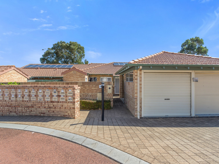 Recently refreshed and ready to move into now – this is the perfect time to buy at Timberside!