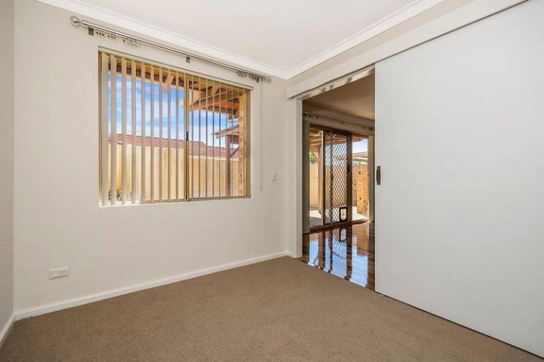 24 Windermere Estate - Be sure to enquire about this recently refurbished home perfectly positioned and close to everything!