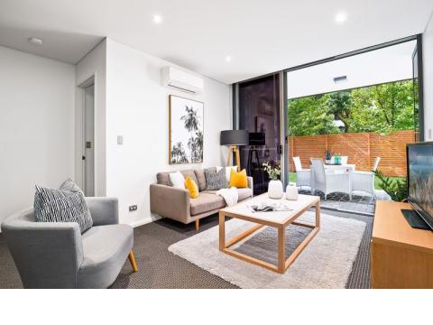 Luxury North facing garden apartment in whisper quiet position