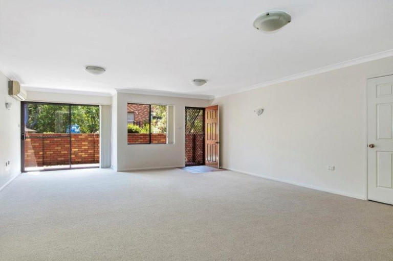 Well presented two-bedroom home with spacious gardens