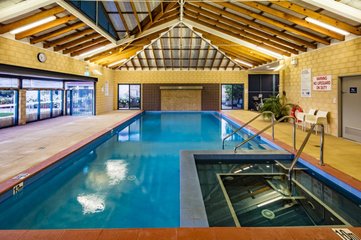 Well-presented villa boasting a private courtyard