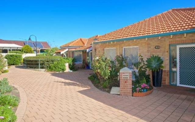 Located in Perth's leafy northern coastal suburb of Duncraig, Lady McCusker Village is close to shops, public transport and parklands.