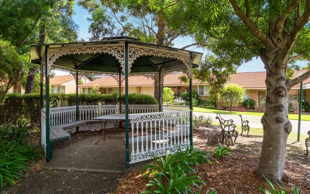 Social lifestyle with easy access to Wollongong