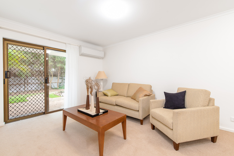 Bright and modern unit set in friendly and active community