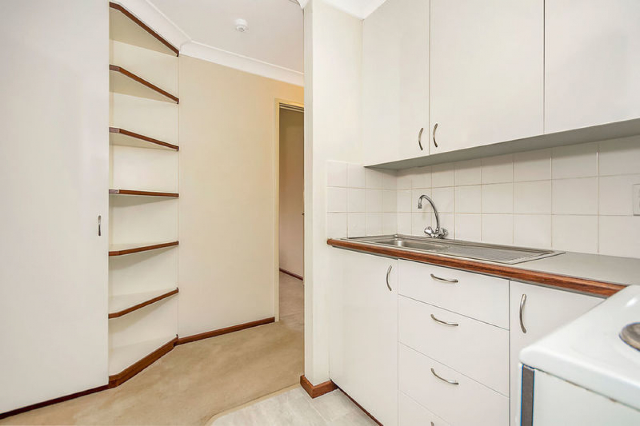 Beautifully presented and a balcony overlooking gardens - Absolute bargain
