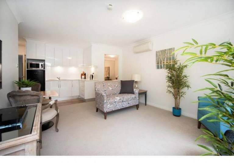 The Grange Deakin - Serviced Apartments