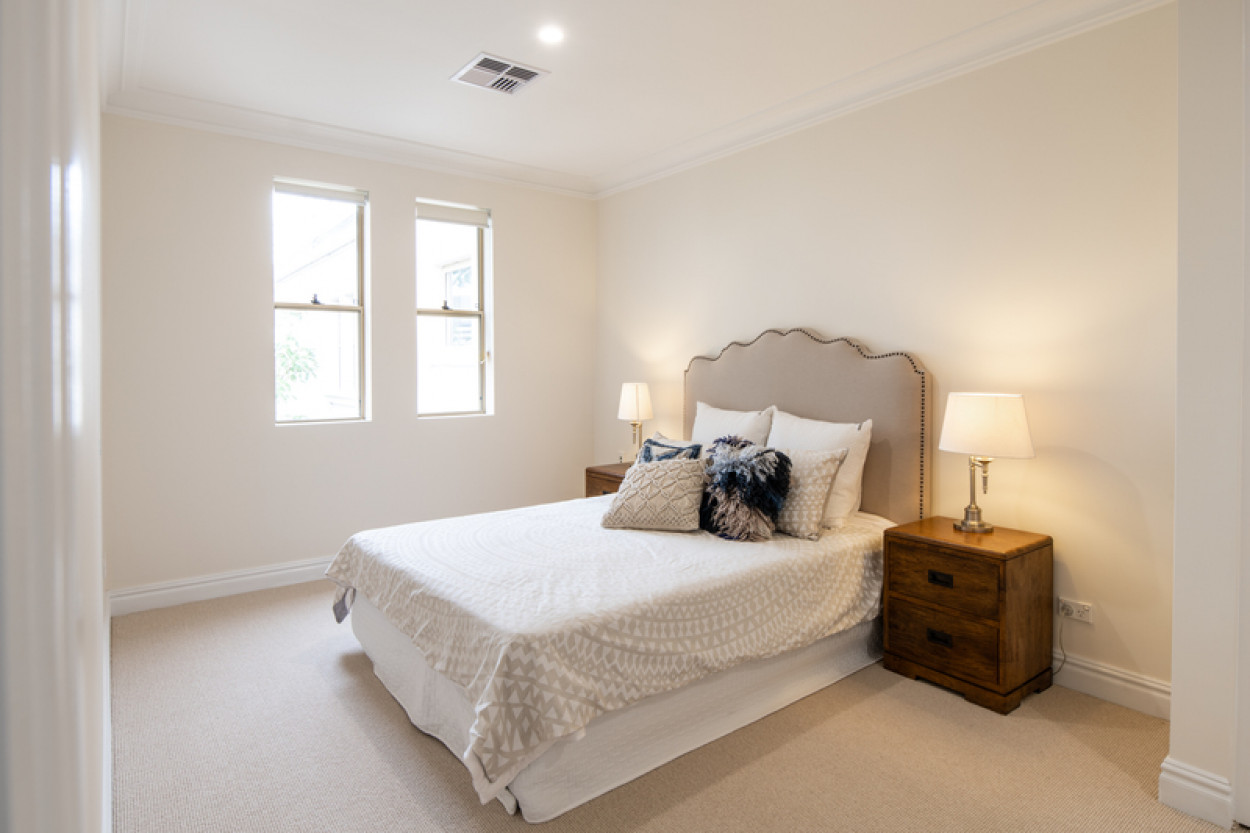 Newly Renovated 2-Bedroom Apartment