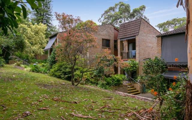 Charming village in the leafy suburb of Lindfield
