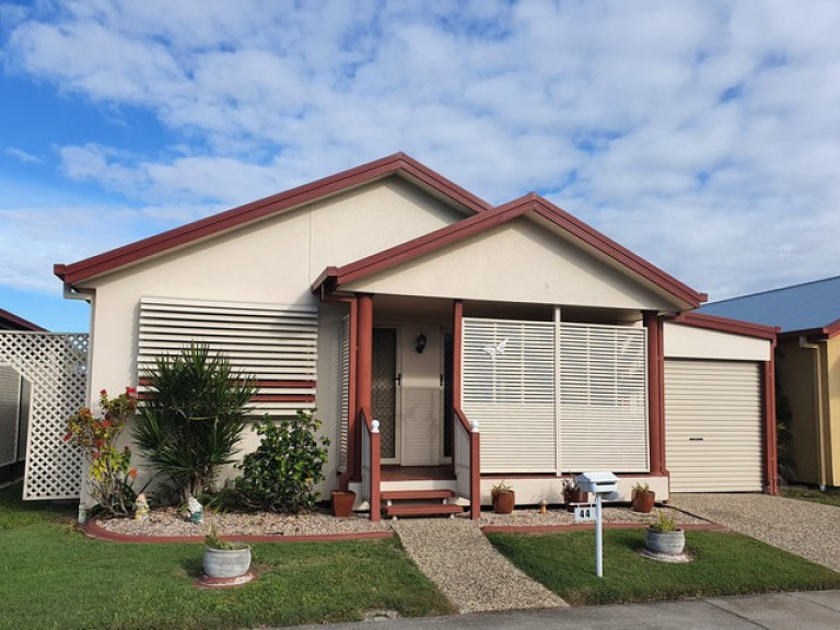 ***UNDER OFFER***44 Bellbird Ave