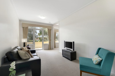 Beautifully presented one bedroom apartment with views