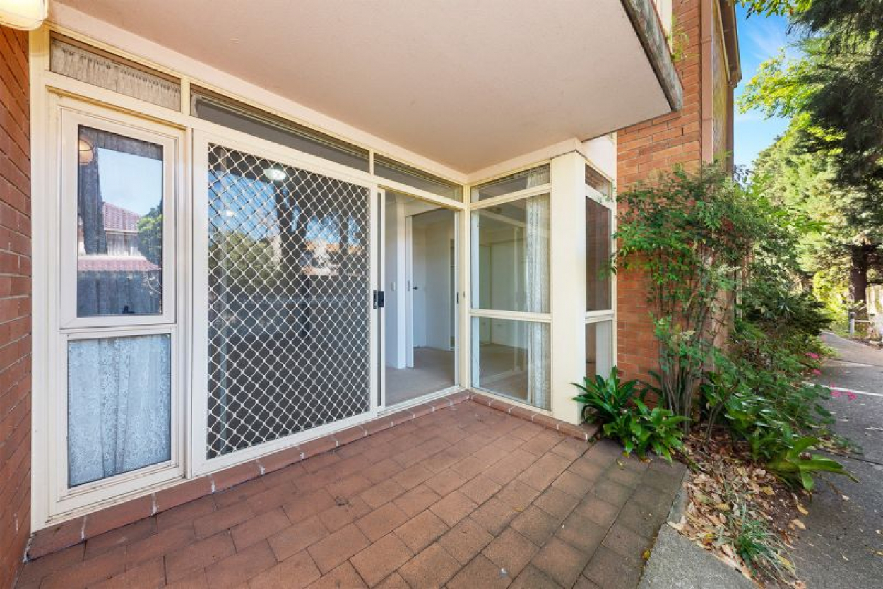 Sort-after ground floor Garden Apartment in a safe and secure block.