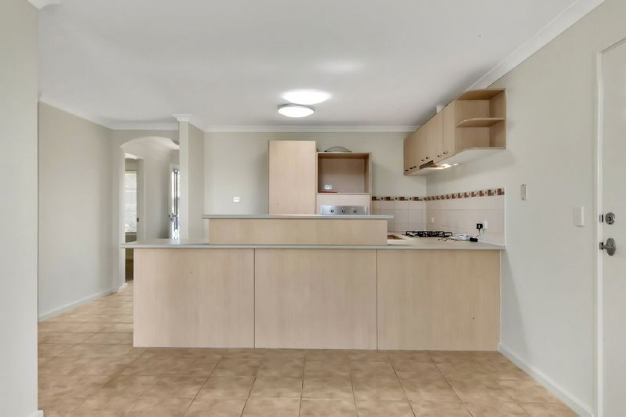 Picture perfect, fully established villa with all the hard work done – ready to move into now.