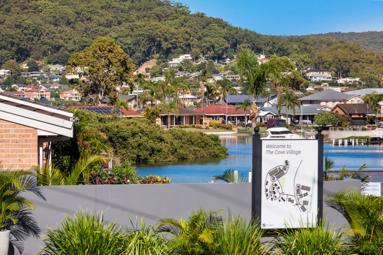 THE COVE VILLAGE - Water views!