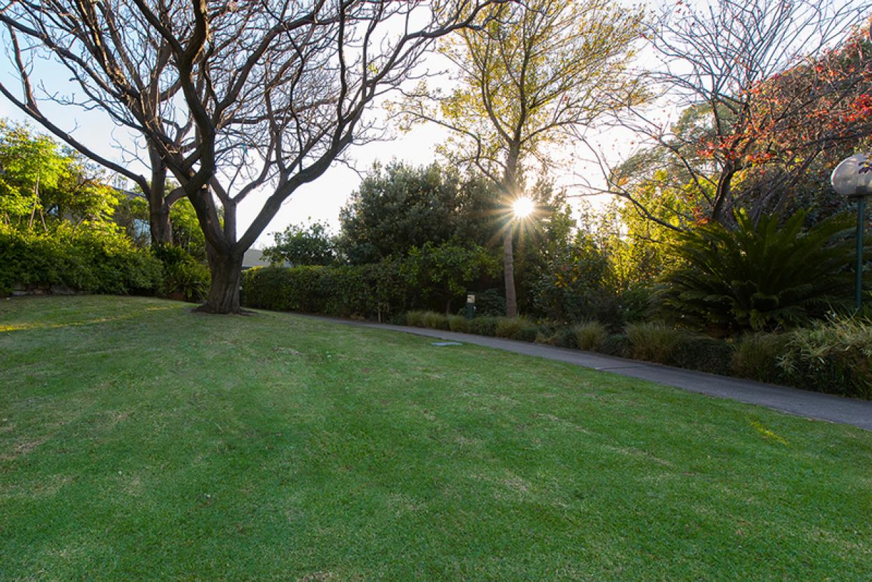 Beautiful garden outlook from this delightful refurbished unit + 5K Bonus!