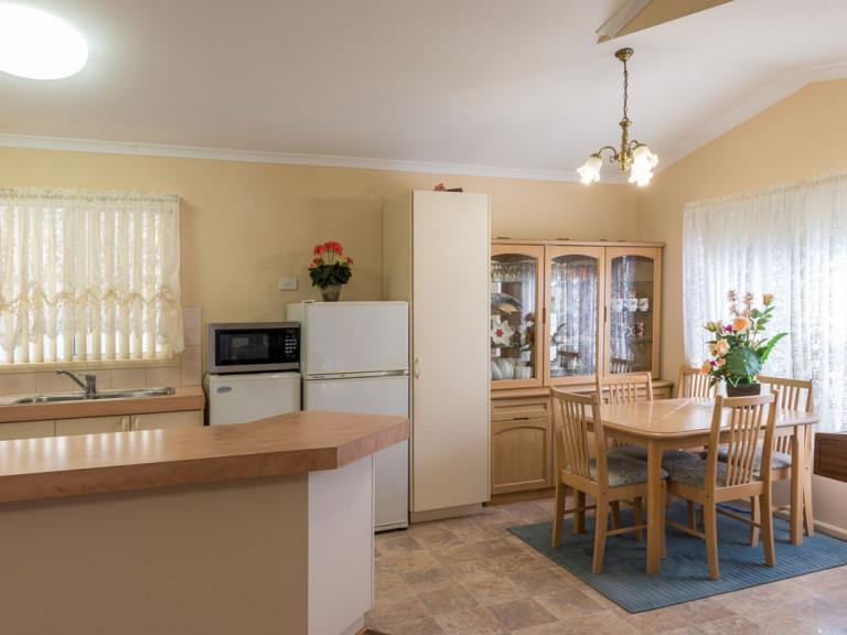 Comfortable and Spacious 3 Bedroom Open Plan Home at Mandurah Gardens Estate