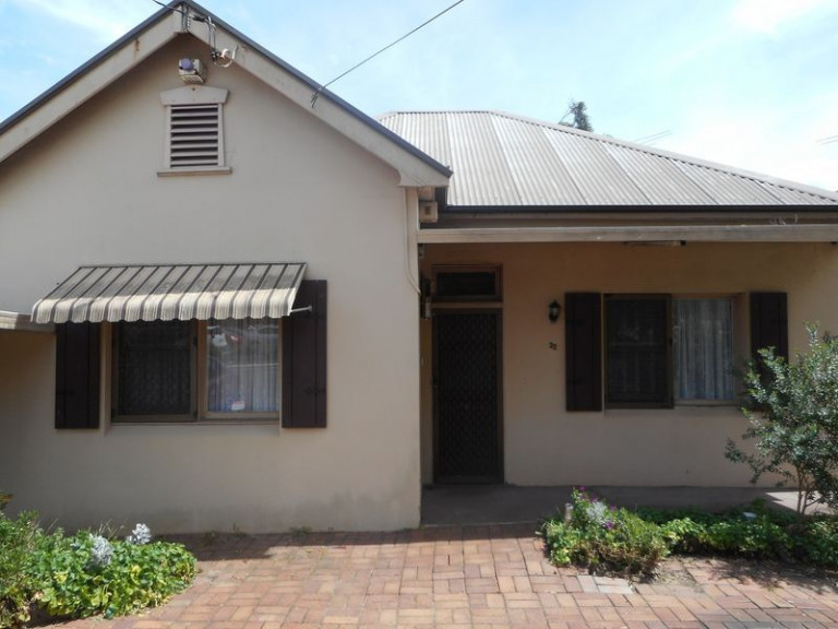 MORTDALE ROOM IN HOUSE NEAR STATION