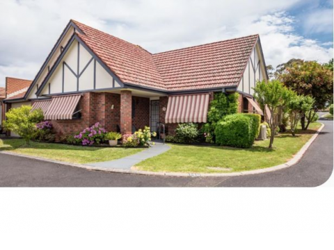 2 Bedroom Home in the Dandenong Ranges