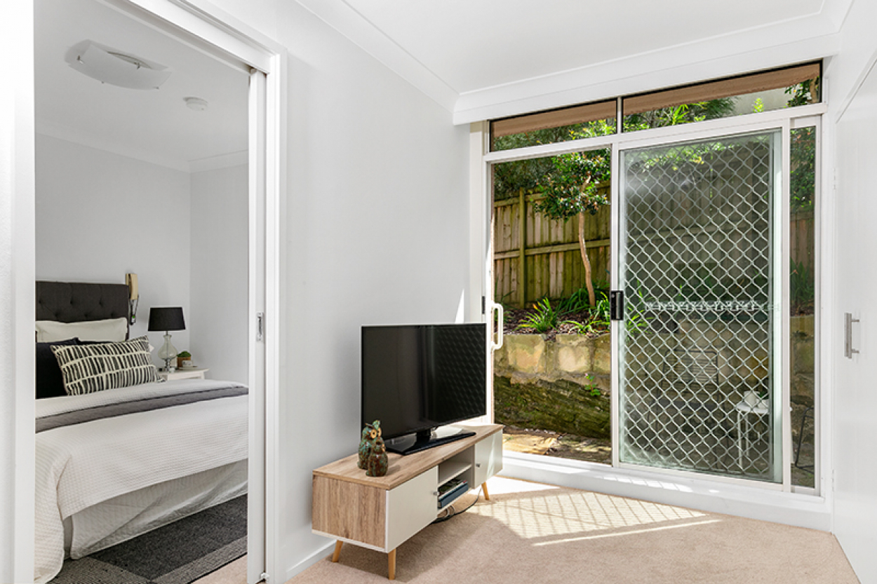 Relax in the peaceful lifestyle that this private, fully refurbished unit offers