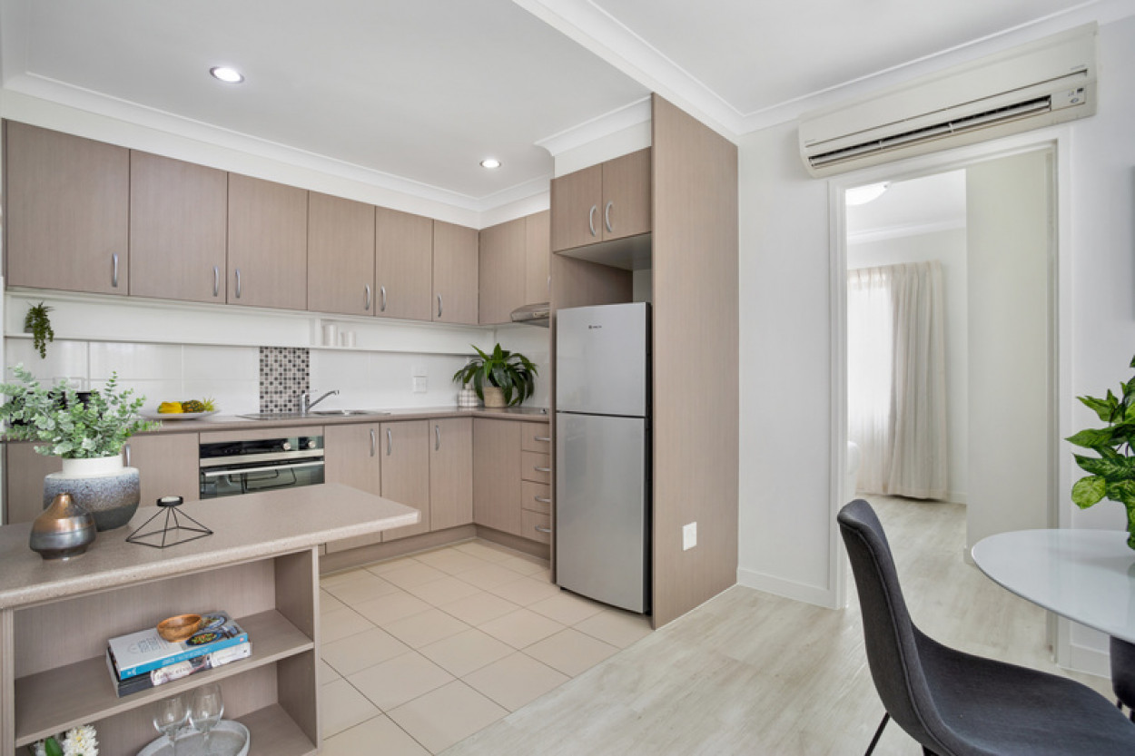North facing unit with sea views and second toilet