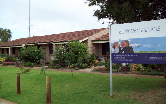 Retirement Villages & Property in Bunbury, WA 6230 for Rent