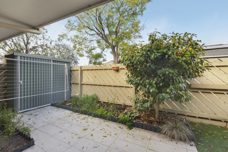 Charming low maintenance home awaiting your personal touches