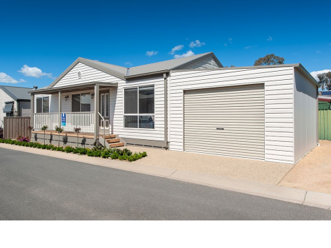 Albury 51 Price Slashed - NOW SOLD