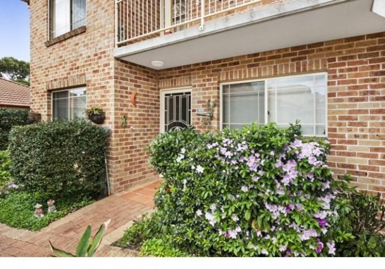 Ground floor with Sensational Garden Outlook! 16/11 Stonelea Court - Dural 2158 Retirement Property for Sale