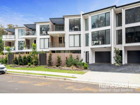 Caroline Bay Waterfront Locale with Easy Walk to Japanese Gardens