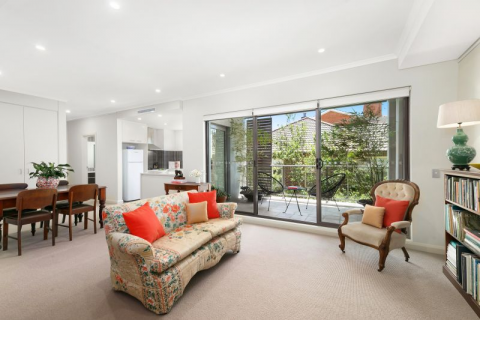 Stunning North Facing One-Bed Apartment, Walk to Rail, Lifestyle Location