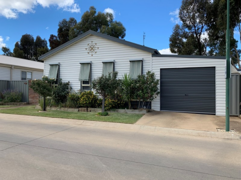 Retirement Villages & Property in Moama, NSW 2731 for Sale