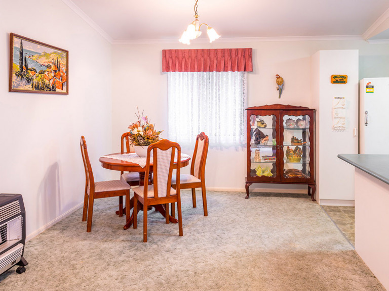 3 Bedroom Home in Great Location in Mandurah Gardens Estate
