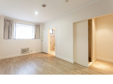 Be quick to view this large newly refurbished serviced apartment