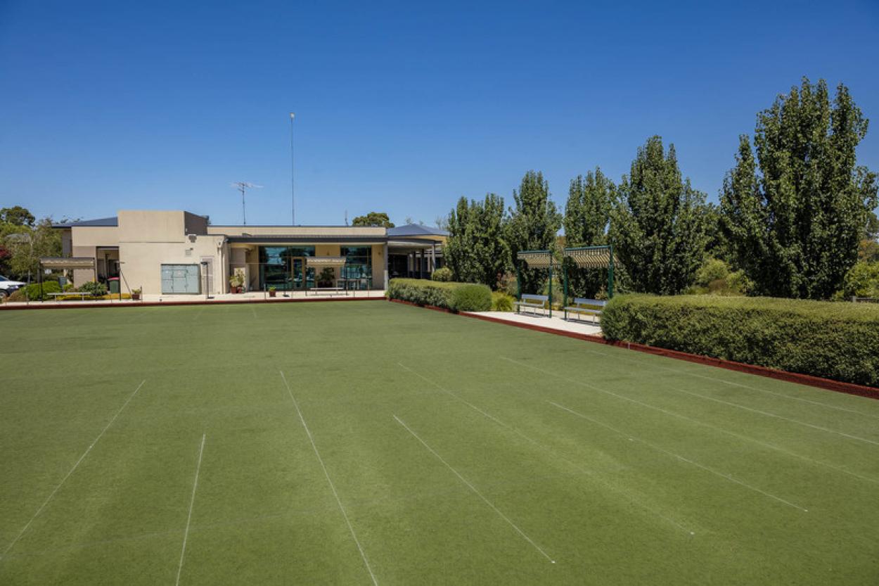Spacious villa close to village amenities