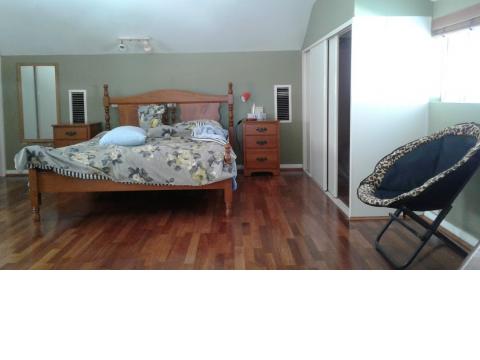 Upstairs en suite room & balcony