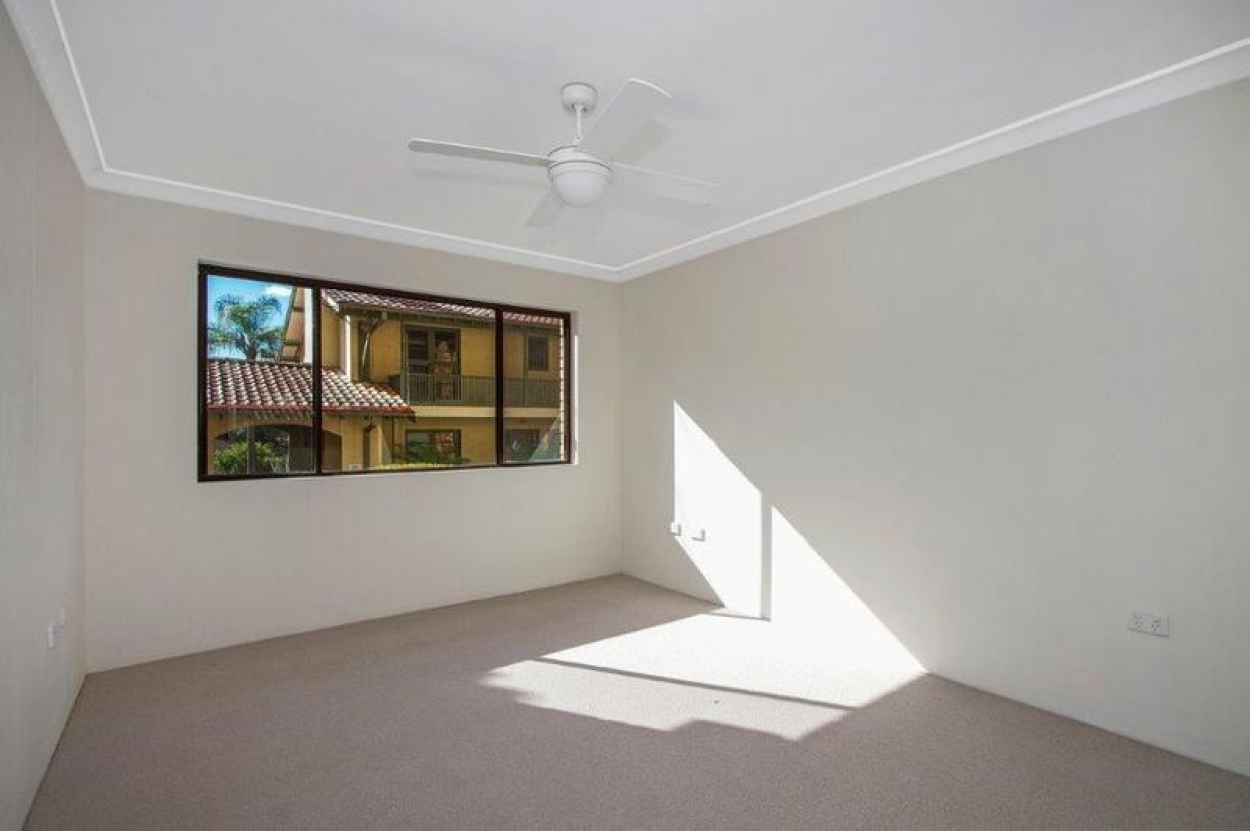 Spacious, light and bright home with the benefit of solar energy