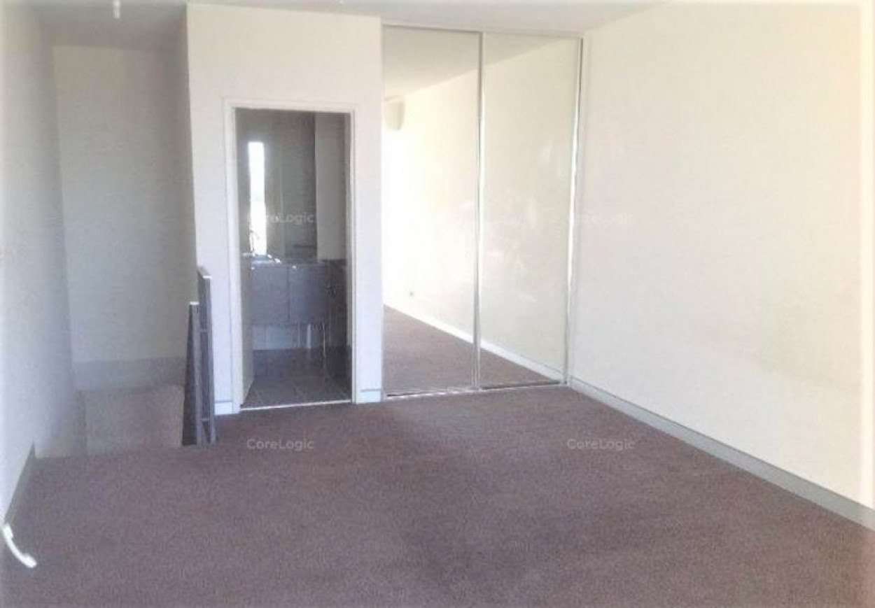 Spacious and Modern Apartment For Lease In Central Roseberry