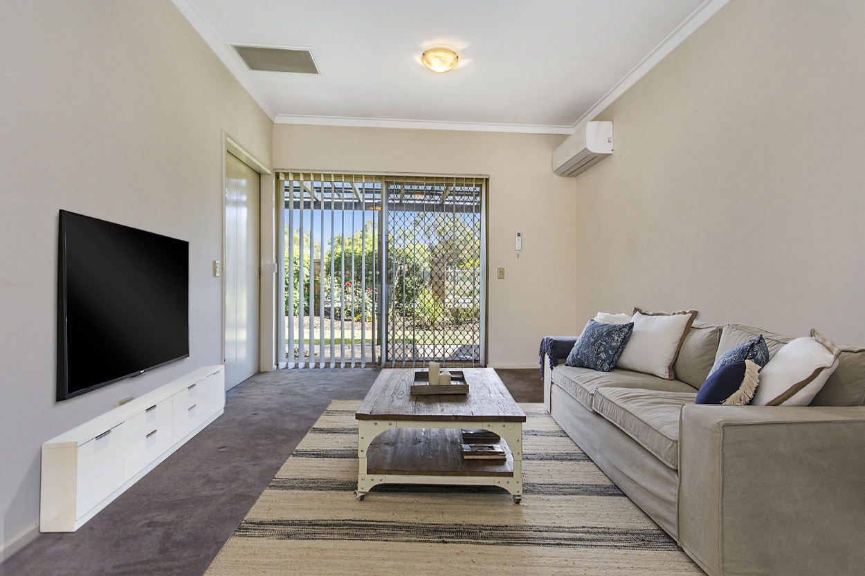 5 Lakeside Gardens - Relax on your front patio with views across to Bibra Lake Reserve