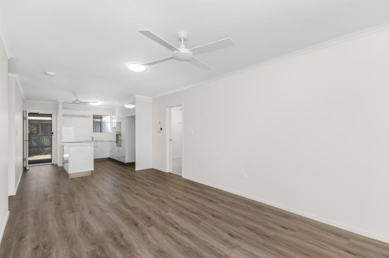 Modern two-bedroom villa - Rowes Bay 119