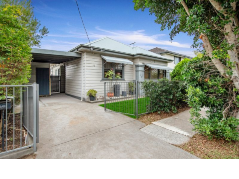 Outstanding Entry into Popular Beachside Suburb