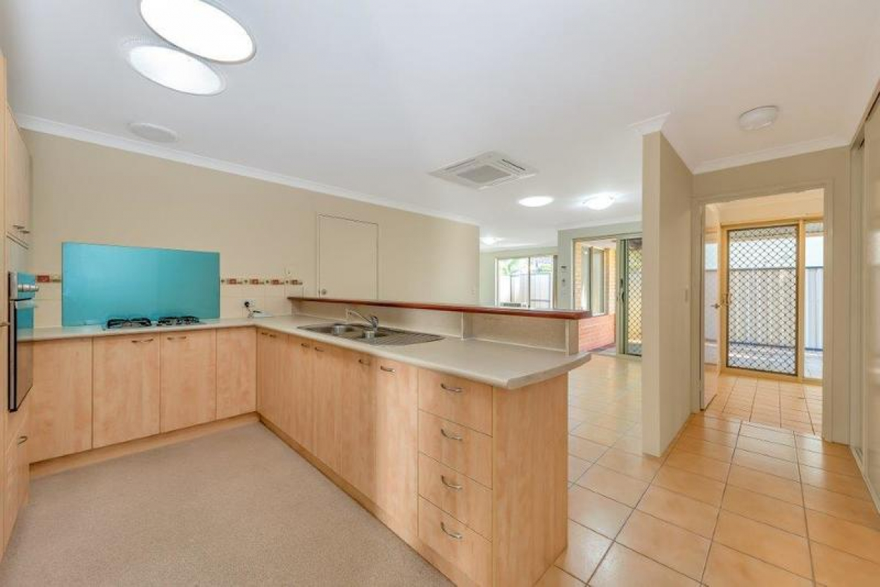 Beautifully located at the front of the village boasting a great outdoor entertainment area suitable for all seasons.