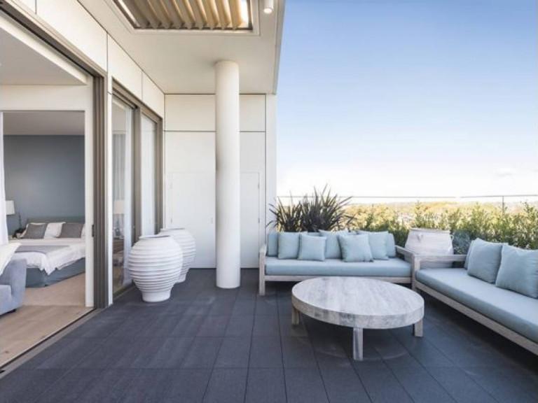 Resort Style living in Miranda