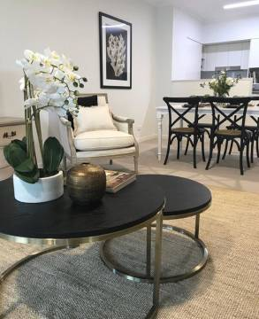 Luxury surrounded by green parklands