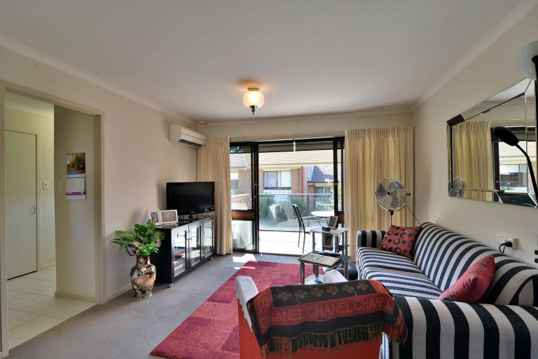 Retirement Village Unit for Rent! Soak up the ambience of this tranquil village while having coffee on your own balcony!