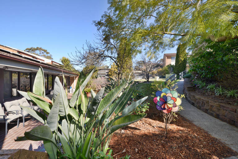 Nestled amongst the beautiful gardens of Woodlands Retirement Village is this 1 bedroom property waiting for a new owner…