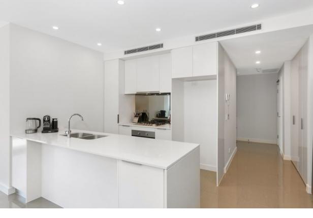 Large Sunny North Facing Apartment - 134sqm total