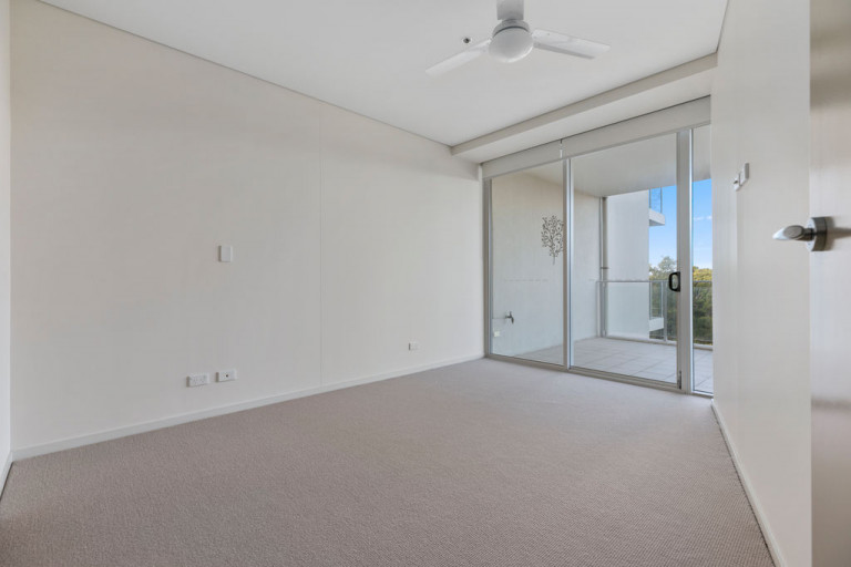 By the sea at Sapphire - Unit 309 - UNDER DEPOSIT